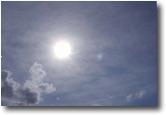 Sole fra le nuvole